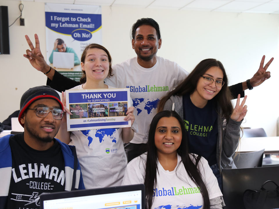 Photo of students thanking contributors on #giving tuesday